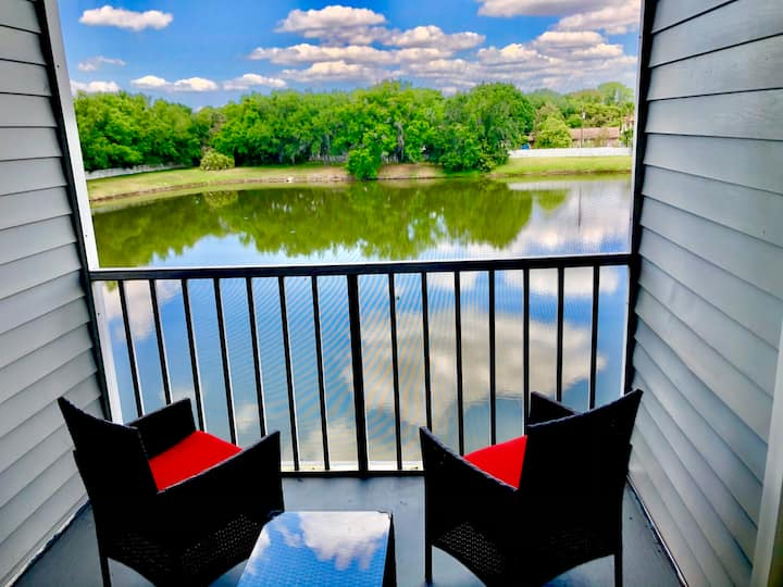 Relaxing 2 Bedroom Apartment in Kissimmee