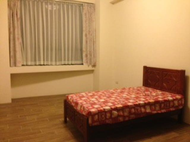 501 - single bed