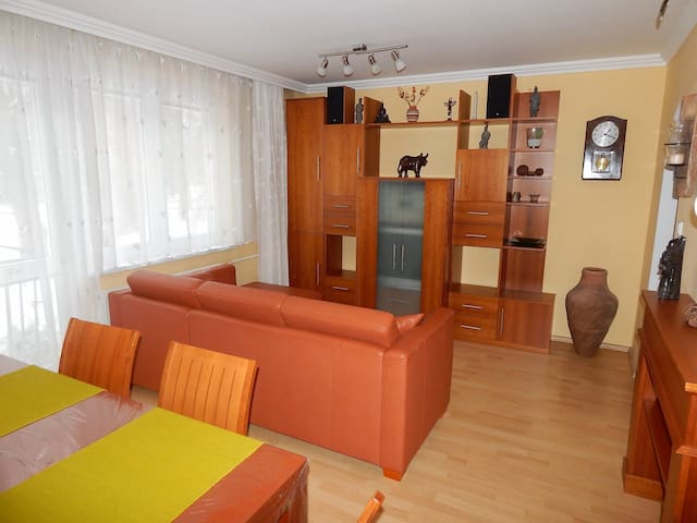 Flat for 2: 30mins from Prague center by bus/metro