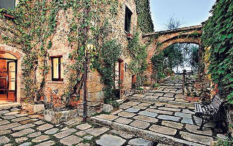 Charming with Hill Views in Tuscany - Montepulciano - Appartement