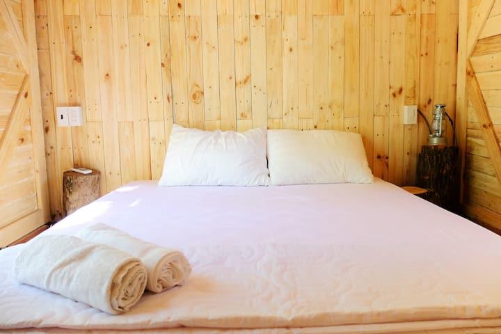 Binh Lap Peninsula - Dao Hoa Vang Homestay(Tent)
