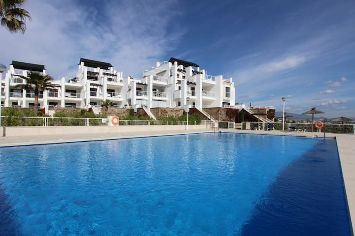 Ground Floor Apartment With Private Beach Access!