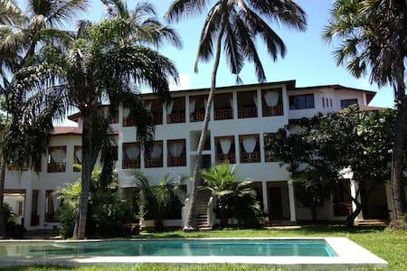 Attico elegante immerso nel verde - Malindi