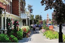 Niagara on the Lake just a 20min scenic drive away
