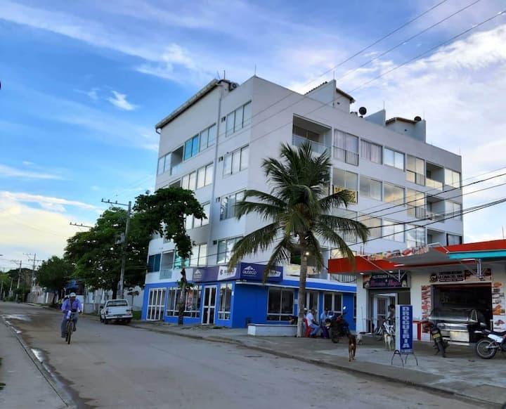Apartamento con Hermosa Vista al Mar y Terraza