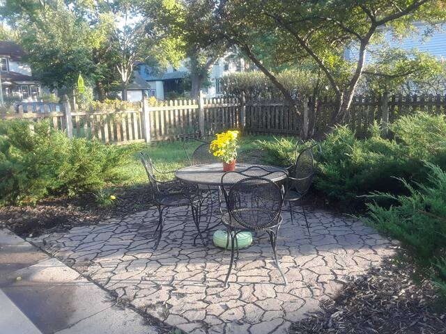 Patio space for guests to enjoy.