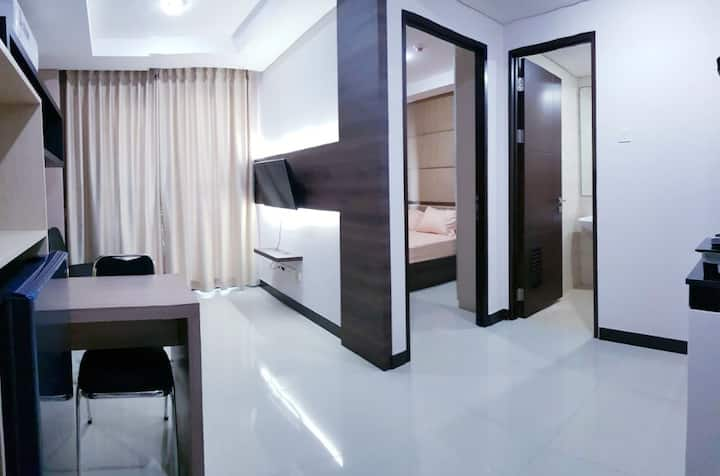 Sky Terrace Jakarta Apartment 1 BR Easy Access