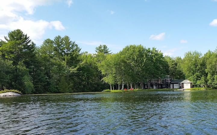 Family Friendly Quiet Kawartha Waterfront Cottage