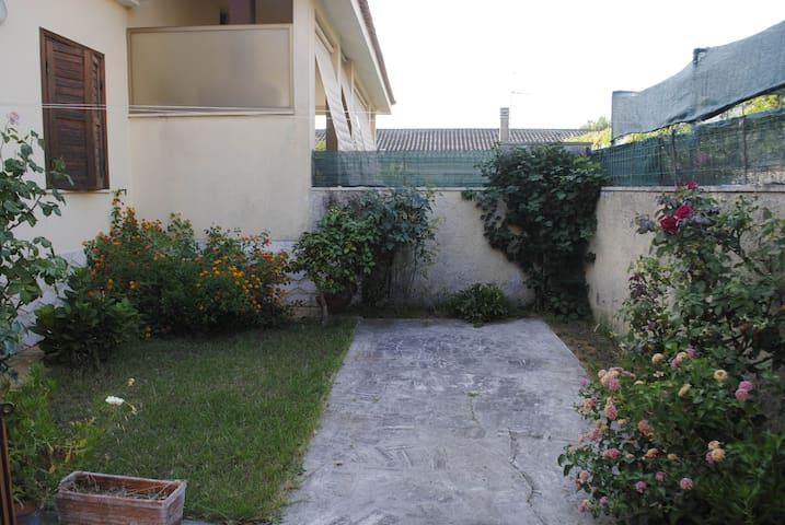 Relax e vacanze al mare vicino Roma - Tor San Lorenzo Lido - Apartment