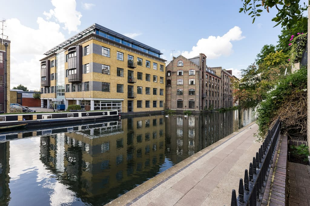 Regent's Canal, a lovely part of London.