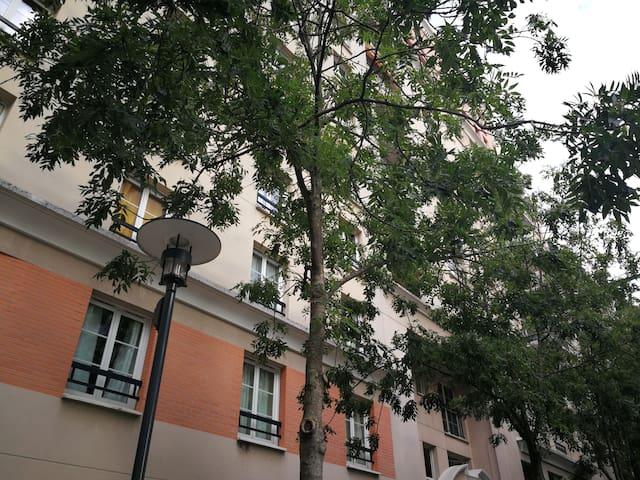Airbnb 1 Parvis De La Défense Holiday Rentals Places