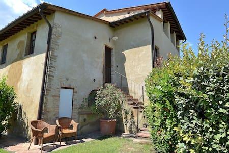 Cozy Apartment near San Gimignano & Pool - Poggibonsi - Lejlighed