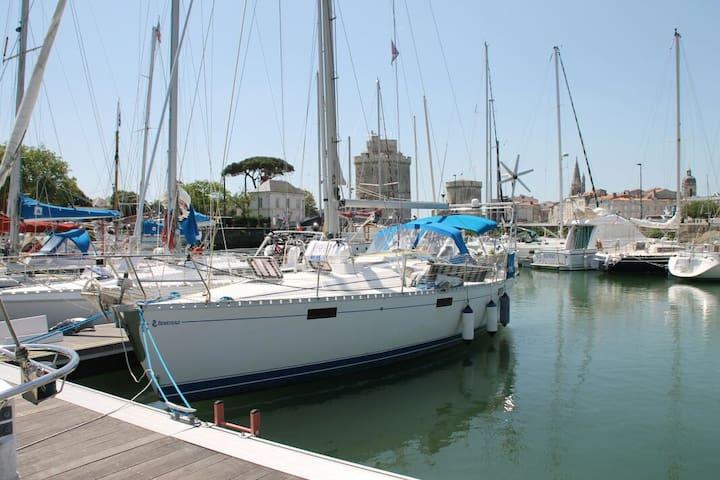 Nuitée(s) à bord d'un voilier à quai - La Rochelle - Barco