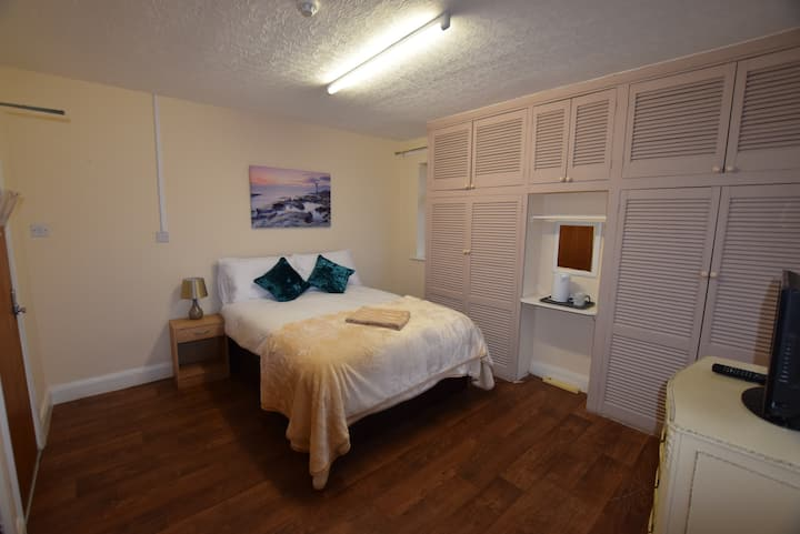 **The Watling Inn** Double room**Nuneaton**Parking