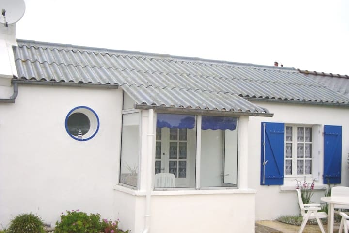 Petite maison en rez de jardin et en bord de mer - Landunvez