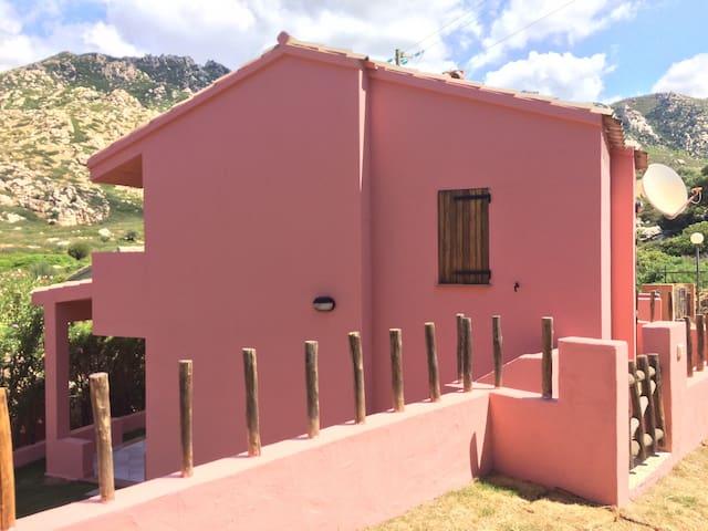 Cottage close To the Beach*Sardinia - Porto Sa Ruxi - Rumah