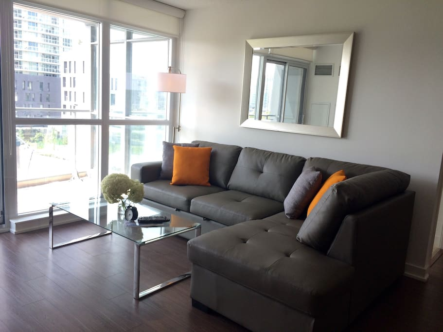 Executive 3 Bedroom Luxury Downtown Serviced Apartments For Rent In Toronto Ontario Canada