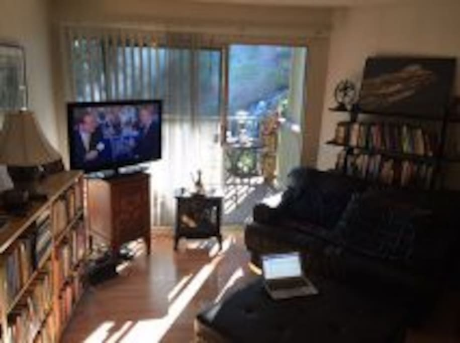 Basic cable TV service and internet wifi provided