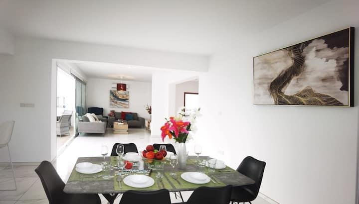 Elite Blue 3 bedroom villa with private pool