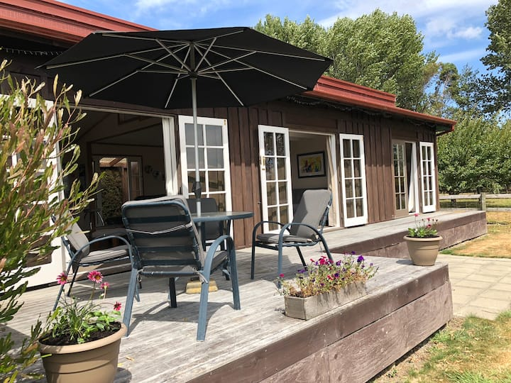 Appleby Cottage - Paradise in sunny Nelson.