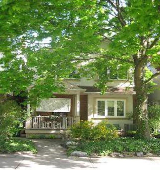 Dundas West Apartments Rent