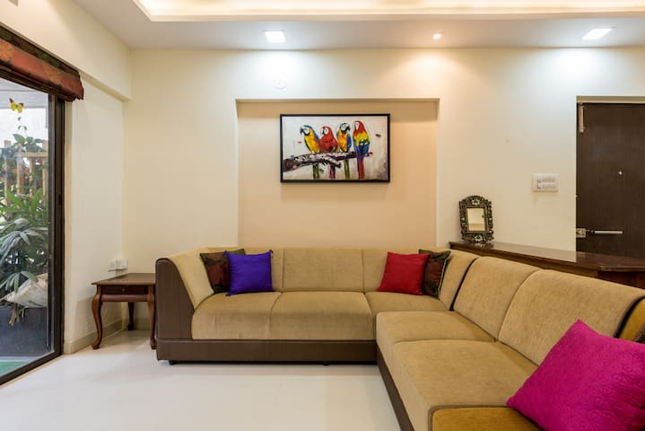 Cheerful 2BHK Garden Residence in Thane West :) - Thane - Casa