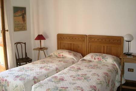 B&B LaDina Cencenighe AG Dolomiti  BL  Veneto (2) - Cencenighe Agordino - Bed & Breakfast - 1