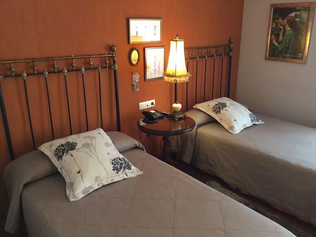 Coqueta habitación para dos - Urroz Villa