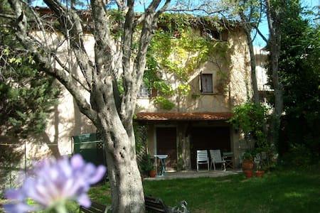 medieval villa Gubbio, Assisi - Gualdo Tadino
