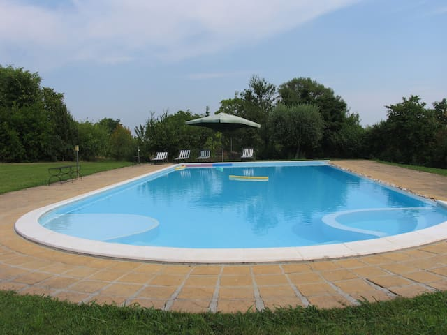 Studio - View on the hills & pool - Cavriana - Apartment