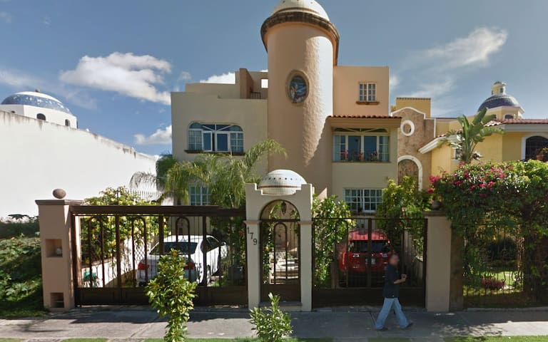 Bed and Breakfast with cozy family - Zapopan - Bed & Breakfast