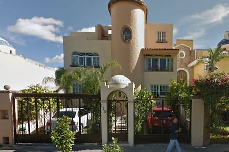 Bed and Breakfast with cozy family - Zapopan