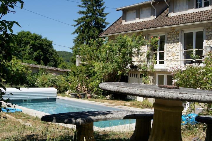 maison au calme avec piscine - Thomery - Casa