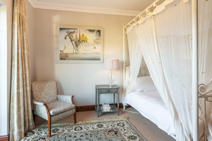 Constantia Double Suite on large private estate