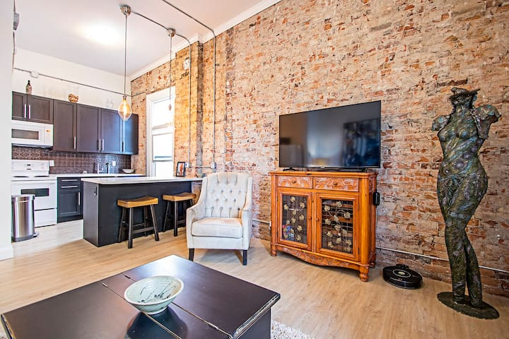 Loft Apartment in the heart of downtown Oshawa