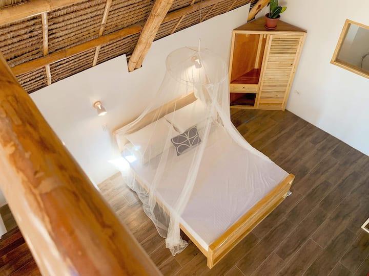 Beachfront Loft Cottage with Skylight2