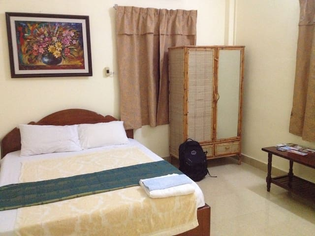 DEAL: A/C Homestay in central PP! - Phnom Penh - Villa