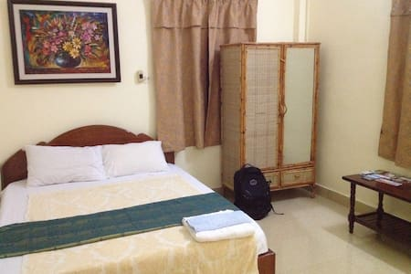 DEAL: A/C Homestay in central PP! - Phnom Penh - 别墅