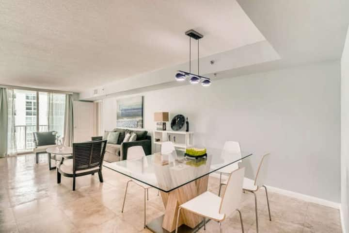 Fabulous Two Bedrooms Brickell+ Free Parking