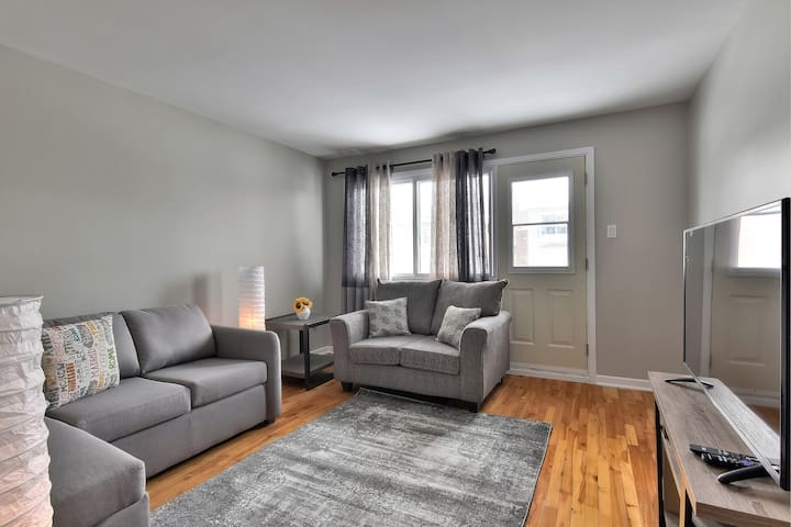 Stylish close to the river 2 bedroom apartment