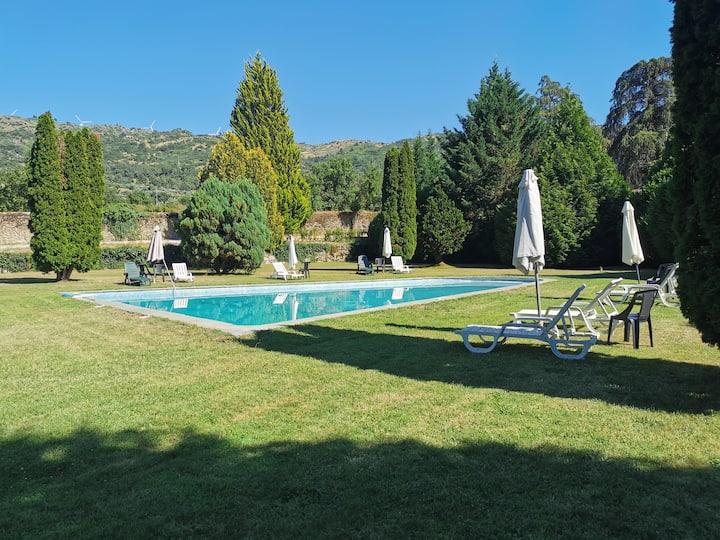 Casa Rustica t1 Vale do Mondego com Piscina