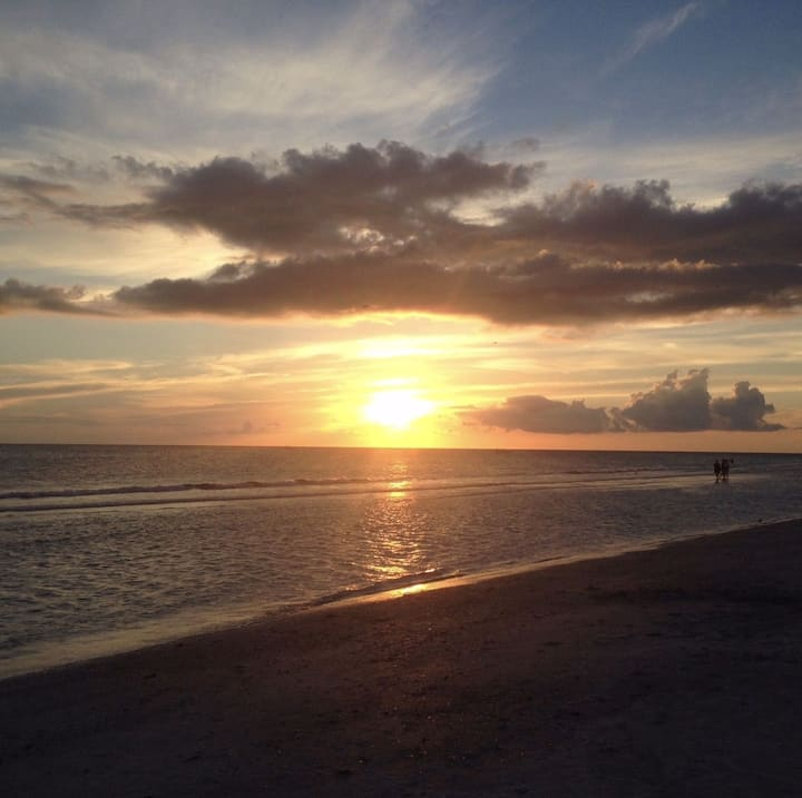 Hideaway With Unlimited Sunsets and Relaxation