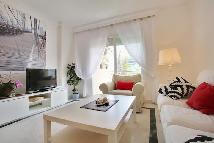 Marbella Puerto Banus Center.2 bedroms.Wifi.parkin