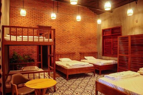 Dorm 6-bedrooms Paksong Farmstay - Pleiku City