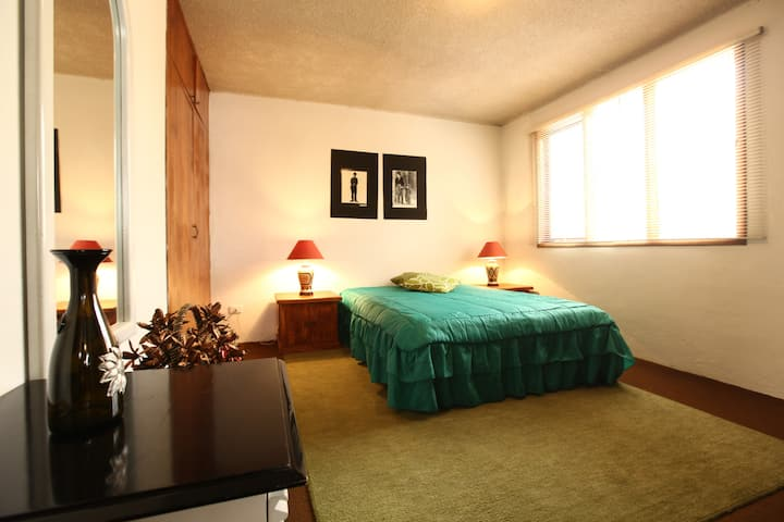 Comfortable room in family house