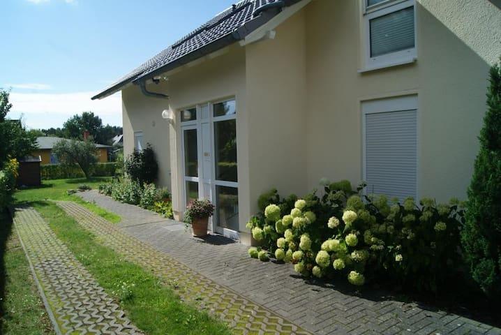 Bi Henny Sonnenschein - Baabe - Apartment