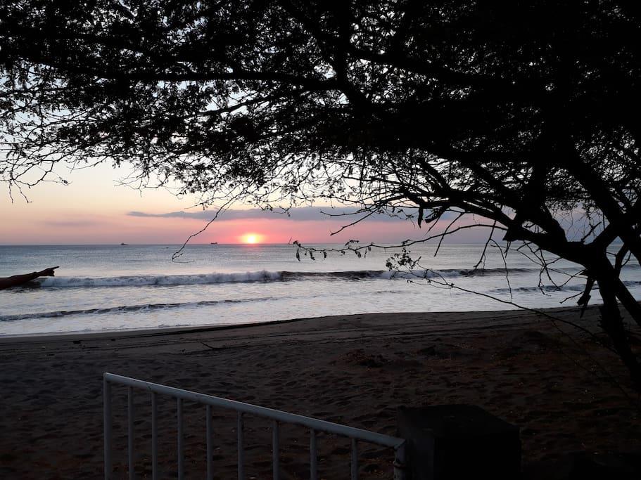 Puesta de sol desde la casa. Sunset from the house
