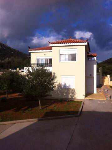 2BR Apartment- first floor close to Monemvasia - Monemvasia - Pis