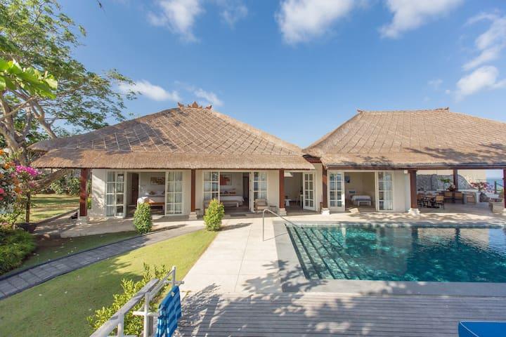 3 BR Luxurious Villa in Pandawa Beach - Ungasan - Kuta Selatan - Villa