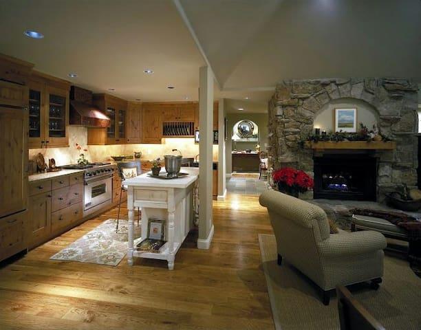 Exquisite 5BD ski house retreat - beaver creek - Hus